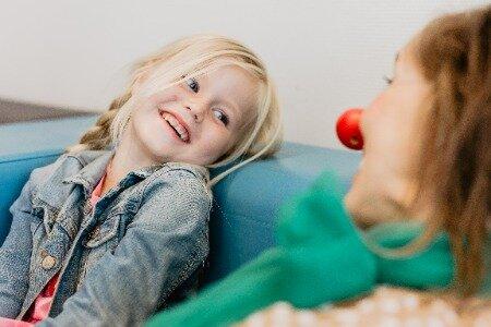 De CliniClowns zijn er voor zieke kinderen en kinderen met een beperking