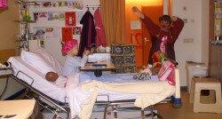 'Dankzij de clowns in het ziekenhuis vergat ik mijn buikpijn'