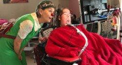 'CliniClown Bes sleepte Anouk door de moeilijkste momenten heen'