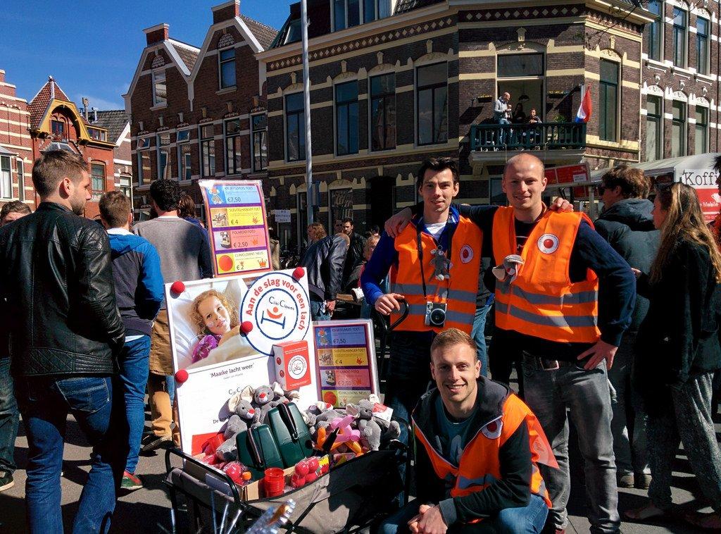 Jan-Marien in actie op koningsdag voor cliniclowns